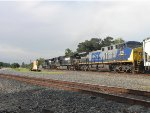 NS 7270, NS 9063 and CSX 518 lead the UP QDYTX